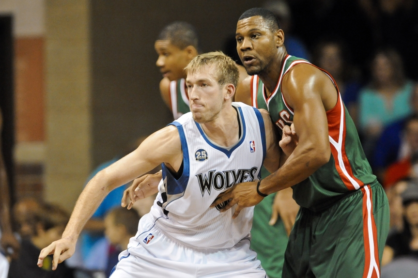 Repot: Timberwolves re-sign Robbie Hummel to one-year contract